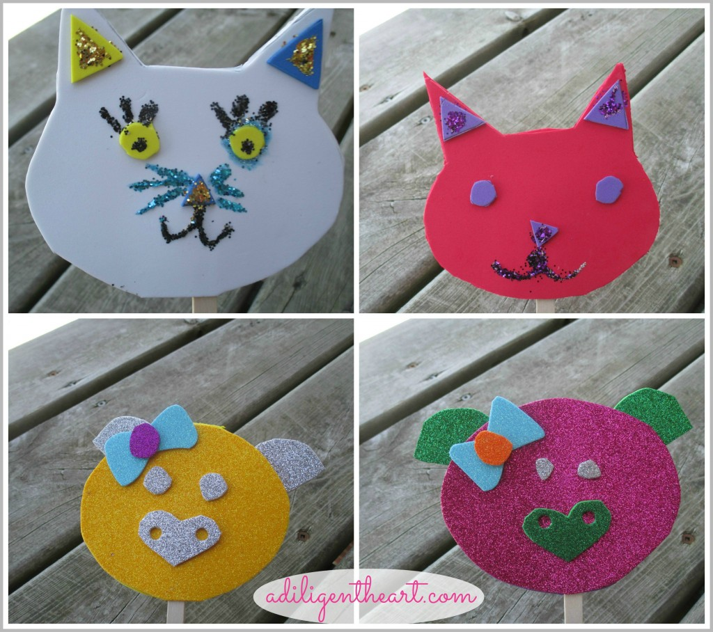 5 Days Of Dollar Store Crafts: Day 2 ~ Cat and Piggie Puppet